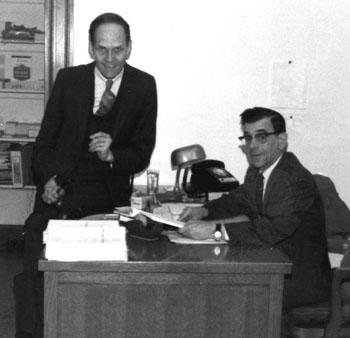Photo du chef interprète Raymond Robichaud et de son adjoint Ernest Plante